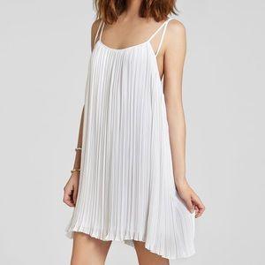 BCBG White pleated dress size XXS